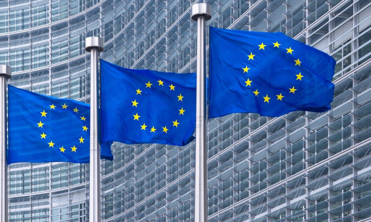 international-regulations-technology-platforms