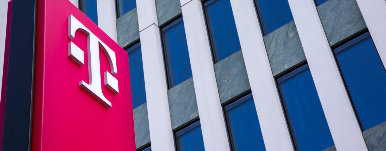 Deutsche-Telekom-Investiert-in-öFfentliches-Blockchain-Netzwerk-Von-Celo-1440x564_c